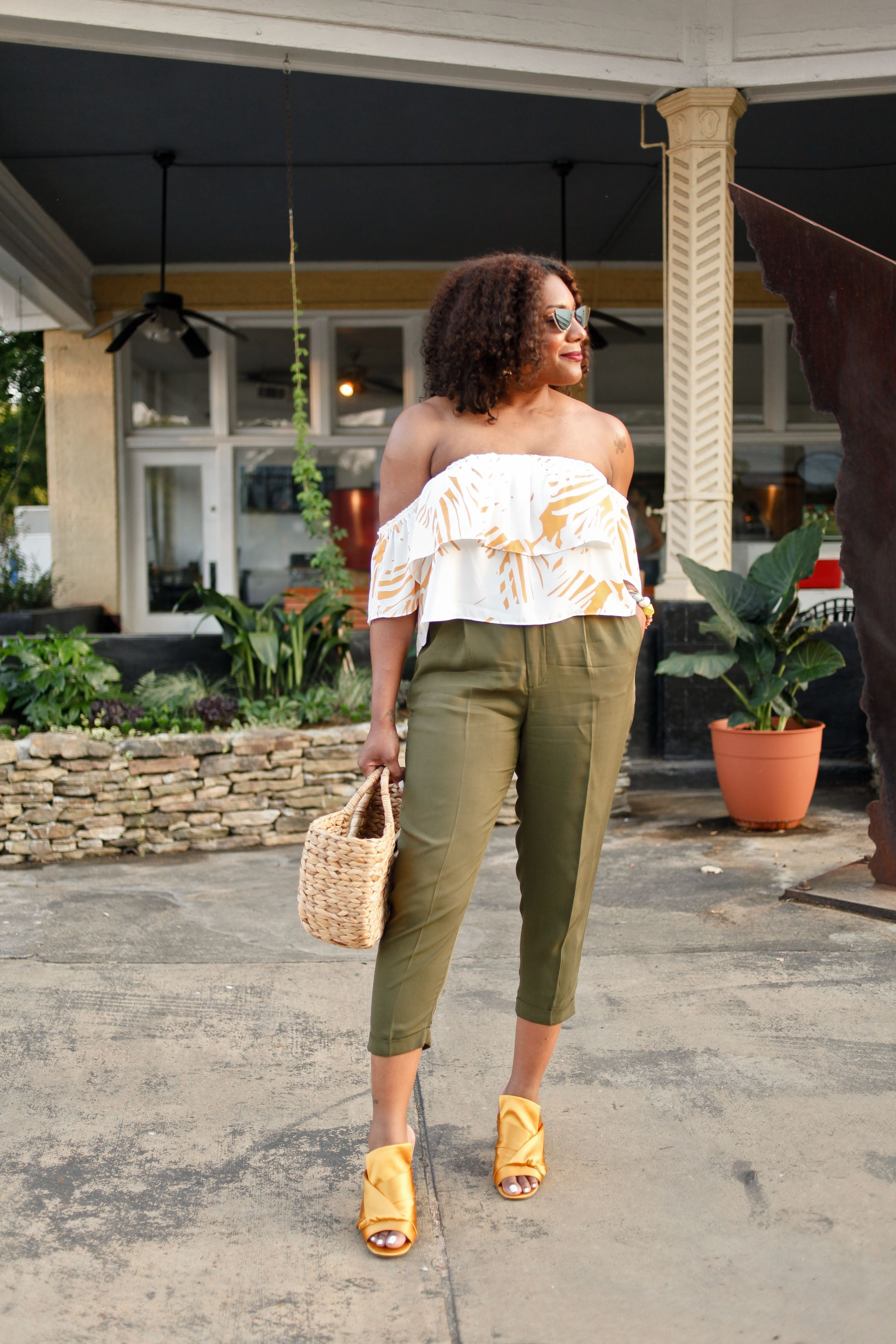 Off-the-shoulder-blouse-green-trouser-3